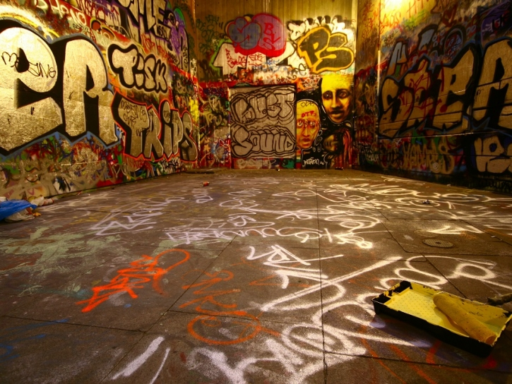 graffiti cleaning specialists